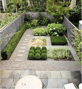 pea gravel patio - formal